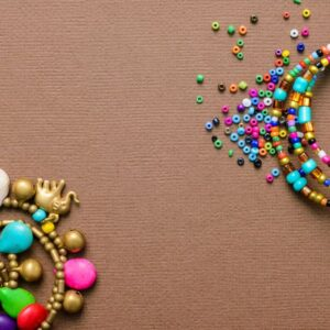 How to make jewelry with paper, glue, toothpicks and thread