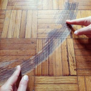 My parquet is very scratched: What can I do?
