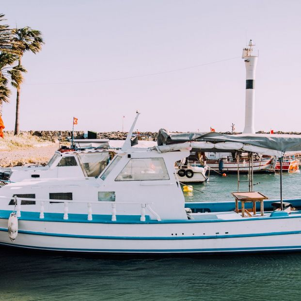 Is your dream to live on a boat?  Know all the requirements